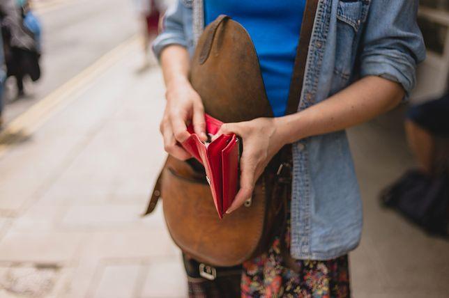 Jedna z redakcyjnych koleżanek miała problem z oddaniem znalezionego portfela