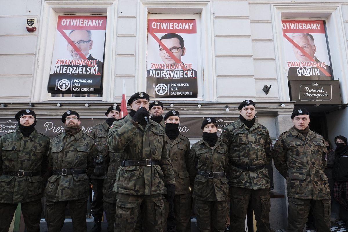 Pancerni Poznań w czasie protestu restauratorów przeciwko obostrzeniom