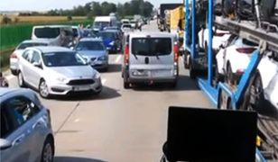 Kierowcom nagranym przez strażaków na A4 grozi mandat do 500 złotych