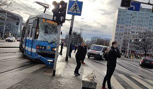 Wrocław: MPK podaje, że do wypadku doszło najprawdopodobniej z winy motorniczego.