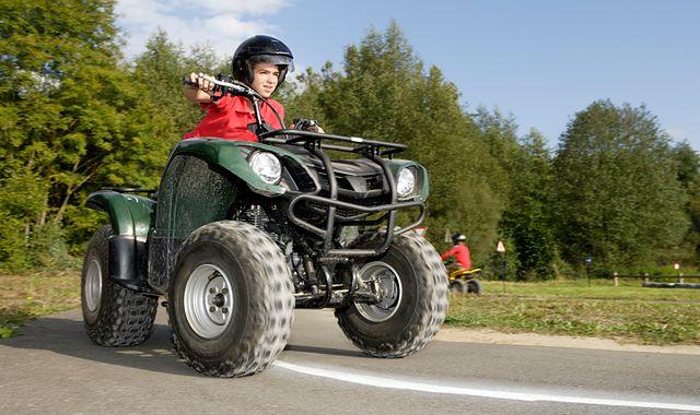 Młodociany kierowca: przywilej czy problem