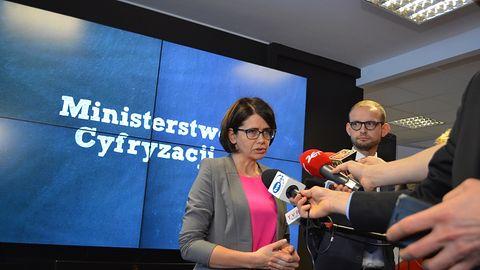 Minister Cyfryzacji już po spotkaniu z Facebookiem, ale konieczne będą kolejne