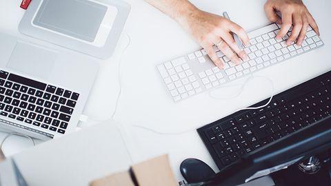 Współdzielenie myszy i klawiatury na wielu komputerach – poradnik