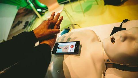 Smartfon może uratować życie na wiele sposobów