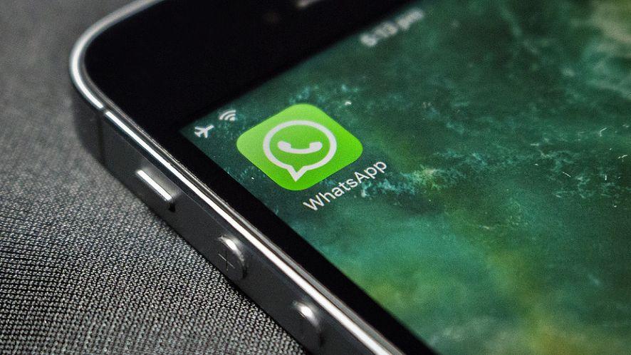 Z WhatsAppa można teraz skorzystać w samochodach z obsługą Apple CarPlay