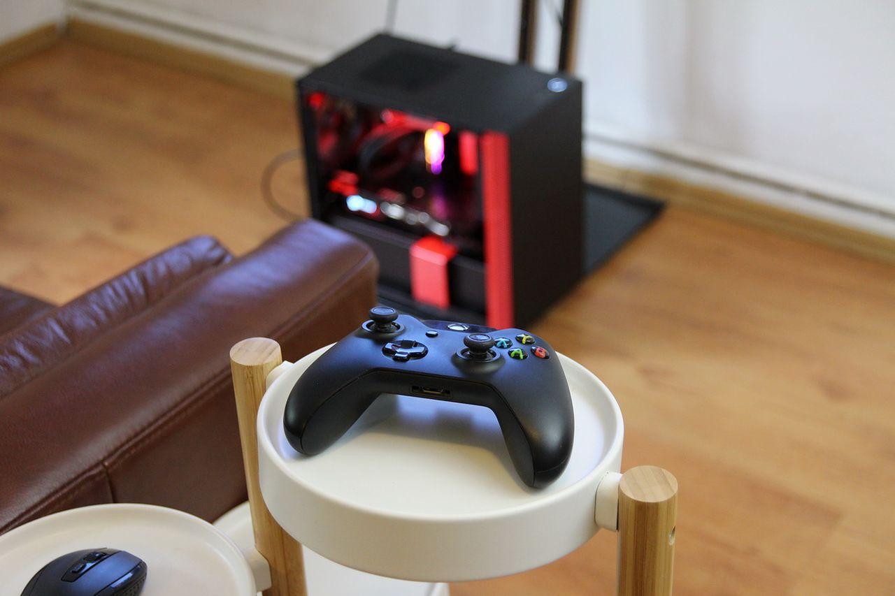 Mini PC do grania na TV? - Czy PC w budzie H210 sprawdzi się, jako konsola?