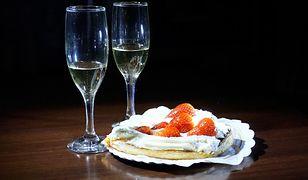 W sylwestra warto pamiętać o deserach dla głodnych gości