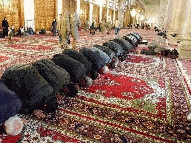 Działalność meczetów może być zabroniona, jeśli narusza ona niemiecką konstytucję