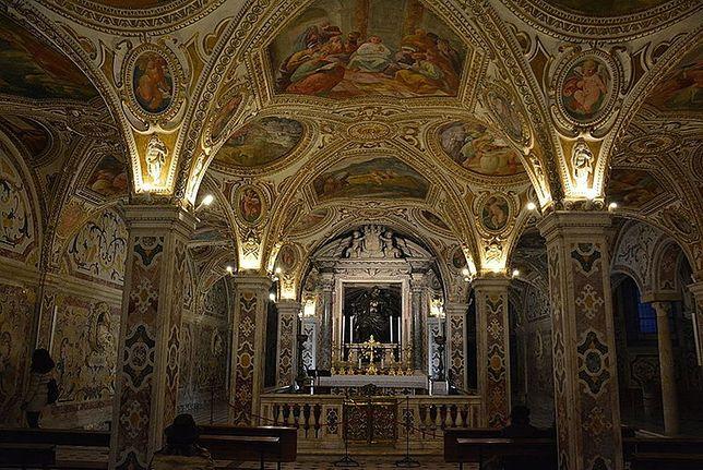 W krypcie w katedrze św. Mateusza w Salerno znajduje się grób św. Mateusza