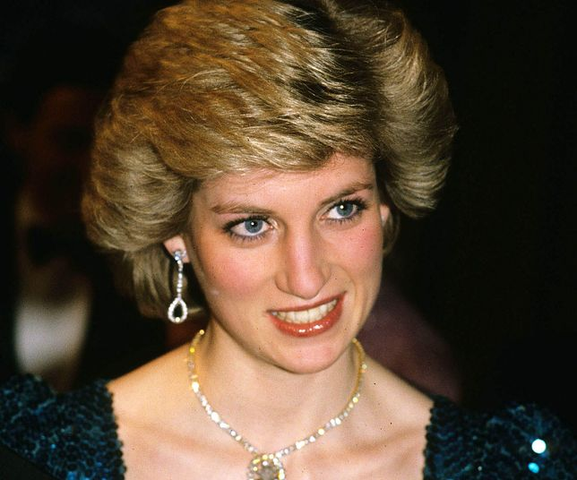 """Diana, Princess of Wales in Vienna, Austria in 1986.Camilla, Duchess of Cornwall wore a broach made from the necklace to the film premiere of """"The History Boys"""" on October 2, 2006. Anwar Hussein/EMPICS Entertainment"""