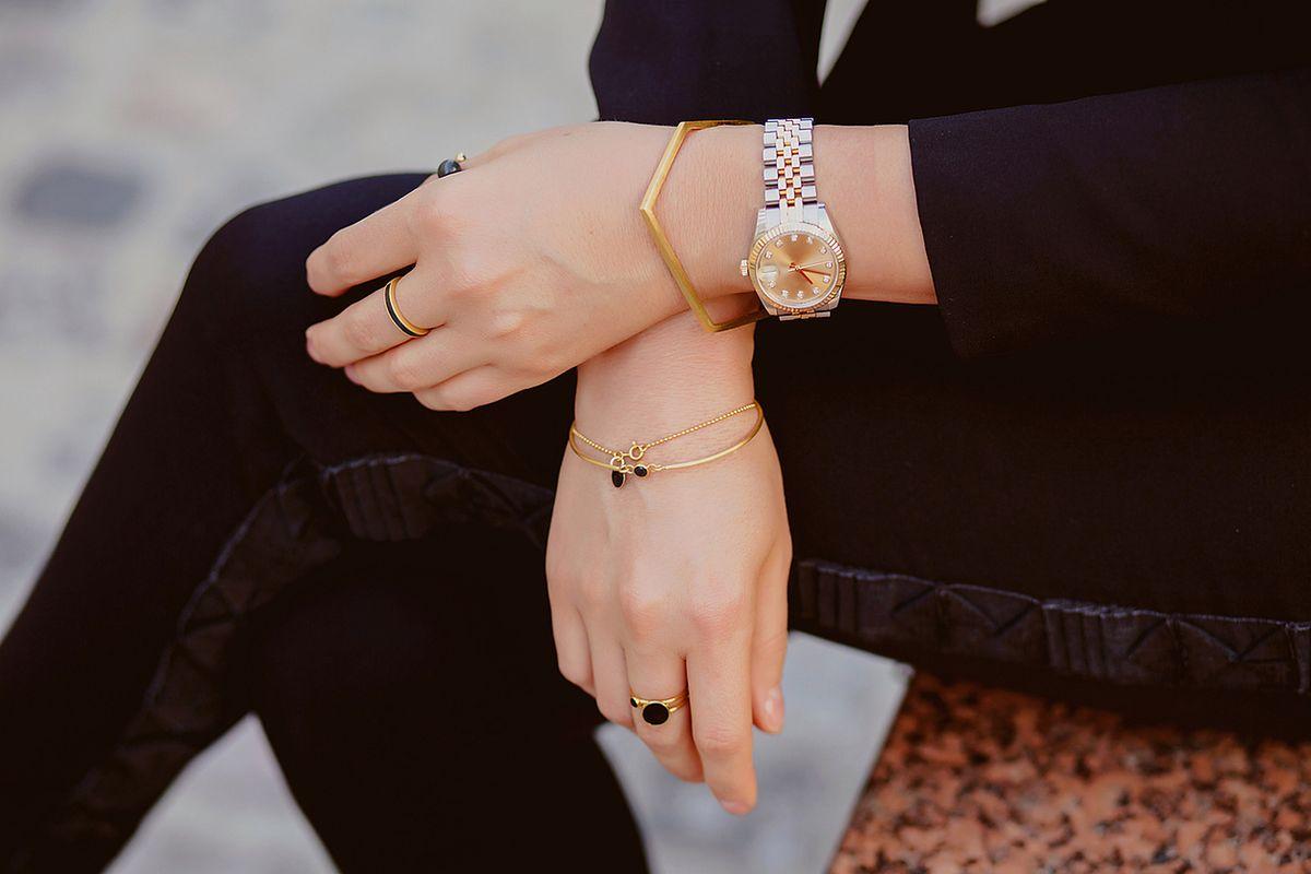 Zjawiskowa i dyskretna biżuteria dla minimalistki. Te modele zachwycają