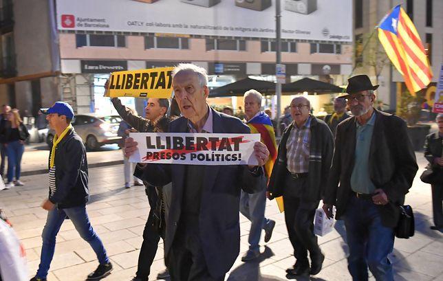 Hiszpania. Zwolennicy niepodległości Katalonii zablokowali autostradę do Francji (zdj. ilustr.)