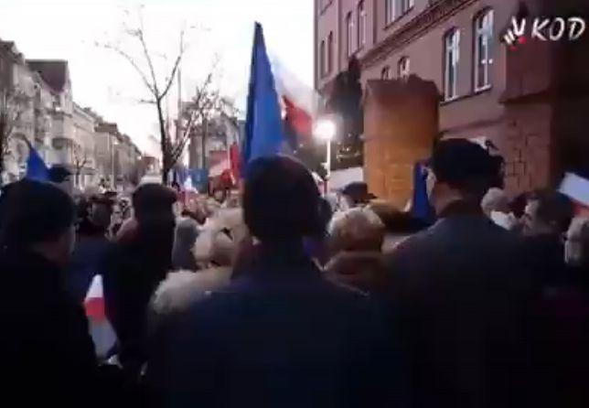 """""""Marsz Tysiąca Tóg"""" w Gorzowie Wlkp. Apelowano, by nie głosować na Andrzeja Dudę"""