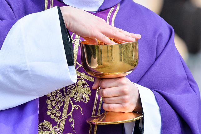 Wydminy. Ksiądz przyjechał pijany na pogrzeb. Został ukarany przez biskupa