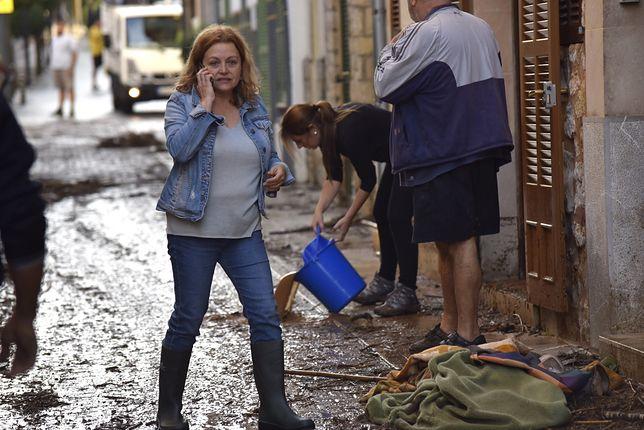 Zdjęcie jednej z ulic na Majorce, jeden dzień po powodzi.
