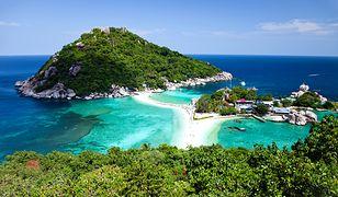 Koh Tao to wyspa położona u wschodnich wybrzeży Tajlandii. Kusi odwiedzających relatywnie niskimi cenami oraz rajskimi plażami