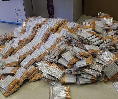 """Białołęka. 35-latek zatrzymany za posiadanie papierosów bez akcyzy. """"Prawie 60 tys. sztuk"""""""