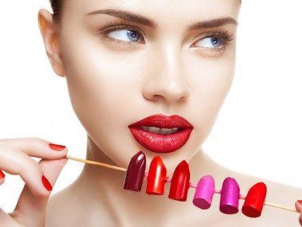 Jak nosić wyrazistą szminkę?