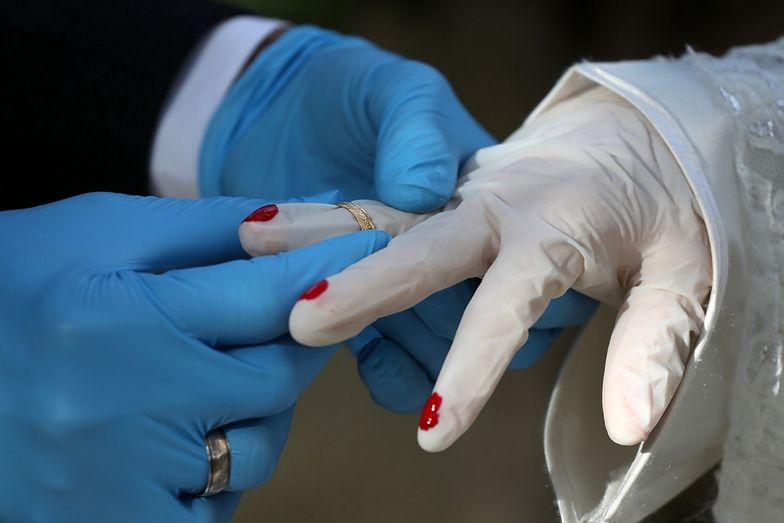 Koronawirus na weselu w Małopolsce. Dramatyczna liczba zakażonych