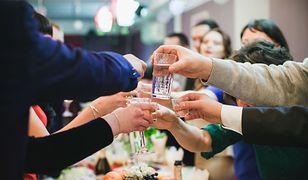 Wódka królową wesel. Przeciętna para zamawia 163 butelki