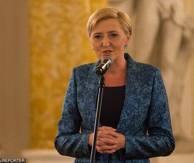 """Agata Kornhauser-Duda na gali konkursu """"Człowiek bez barier"""" na Zamku Królewskim."""