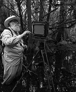 W czarno-białym obiektywie. 80-letni Clyde Butcher i jego niezwykły świat
