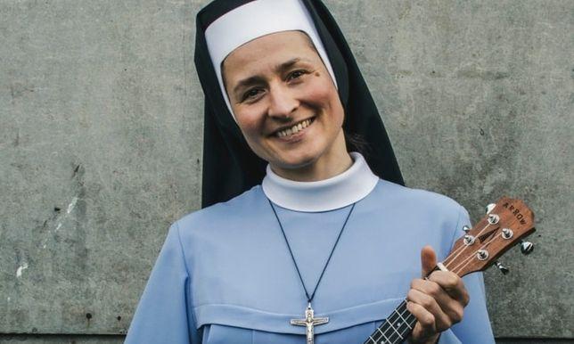 Śpiewająca siostra zakonna Janina - kariera