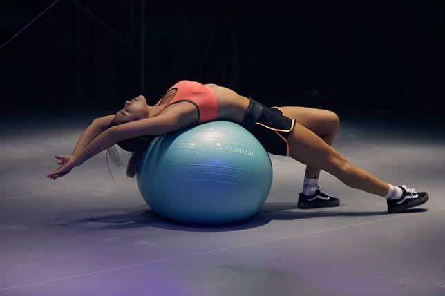 Trening na piłce to mnóstwo zabawy i dobre efekty