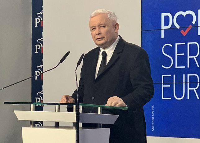 Prezes PiS Jarosław Kaczyński w oświadczeniu dziękował wyborców, ale przede wszystkim mobilizował ich przed kampanią i jesiennym głosowaniem