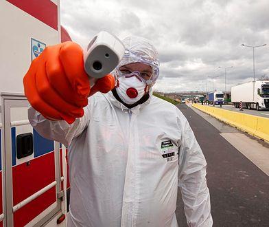 Na całym świecie trwa walka z koronawirusem.
