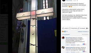 Krzyż przy ołtarzu w parafii Wniebowzięcia NMP w Lwówku Śląskim