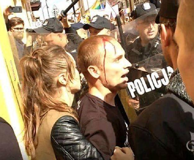 """Narodowcy gromadzą materiały przeciwko policjantowi. """"Krew bryzgała na jego tarczę"""""""