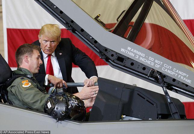 Prezydent USA Donald Trump podczas pokazu F-35 w bazie Luke jesienią ub. roku