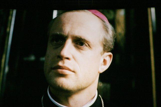 """Piotr Adamczyk zagrał w filmie """"Karol. Człowiek, który został papieżem"""""""