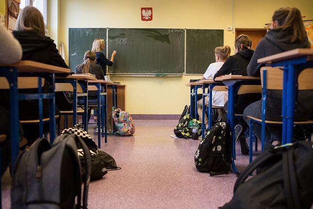 Zajęcia o mowie nienawiści w warszawskich szkołach. Zapytaliśmy nauczycieli, co o tym myślą