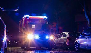 Warszawa.Samochód poszybował w powietrzu i wylądował na ścieżce rowerowej. Kierująca miała 3 promile alkoholu