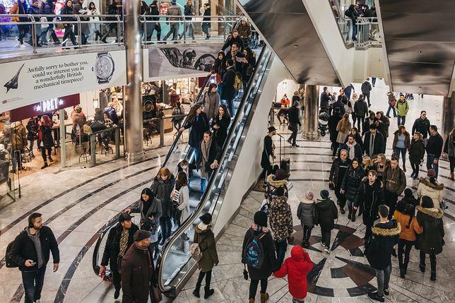 Niedziele handlowe 2020. Sklepy otwarte 23 lutego