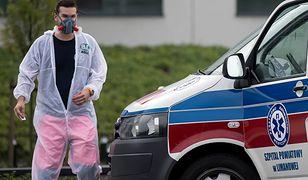 """Koronawirus w Polsce. Lekarze alarmują. """"Nie lubię przesady, ale sytuacja jest dramatyczna"""""""