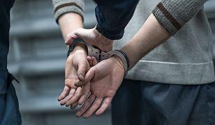 41-latek z Tarnobrzega strzelał do sąsiadki na klatce. Powód bulwersuje