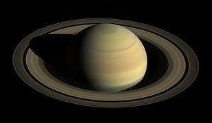 Opozycja Saturna – niesamowite zjawisko na niebie. Planetę można teraz zobaczyć gołym okiem
