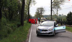 Śląskie. Śmiertelne potrącenie w Osieku. 68-latka zginęła pod kołami samochodu