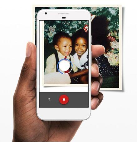 Google PhotoScan – skaner do zdjęć w komórce. Lepszy od biurkowego skanera?