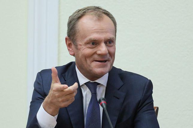 Były premier Donald Tusk w trakcie posiedzenia był niejednokrotnie zdziwiony postawą członków komisji