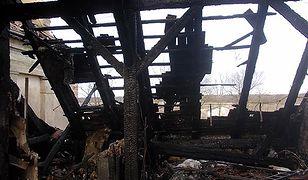 Po pożarze poddasze i dach budynku przestały istnieć