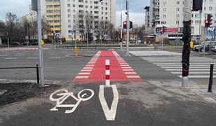 Ścieżka rowerowa, nowe chodniki i sygnalizacja świetlna. Rzymowskiego po remoncie