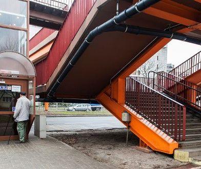 """Platformy przy kładkach po remoncie. Windy """"za drogie"""""""
