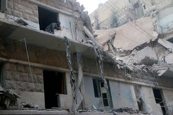 Rosja nadal wstrzymuje bombardowanie Aleppo