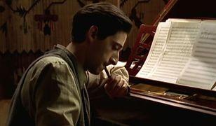 """Adrien Brody jako Władysław Szpilman w """"Pianiście"""""""