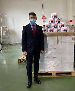 Poseł PiS pochwalił się prezentem od producenta leków. Potem zaczął kasować ślady