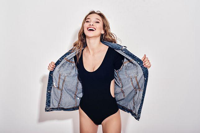 Body sprawdzi się zamiast bluzki - zarówno do żakietu, jak i jeansowej kurtki